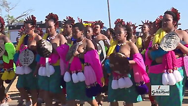 Topless South African maidens at Reed Dance